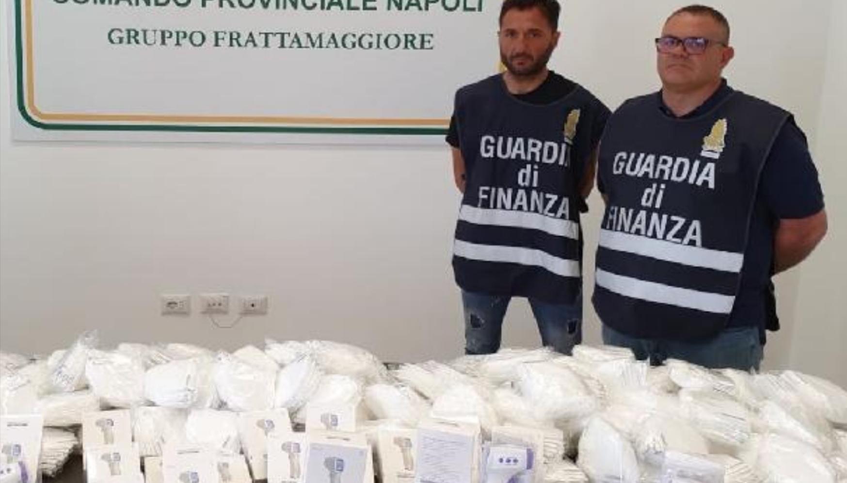 Napoli, sequestrate 100mila mascherine cinesi contraffatte e prive di autorizzazione