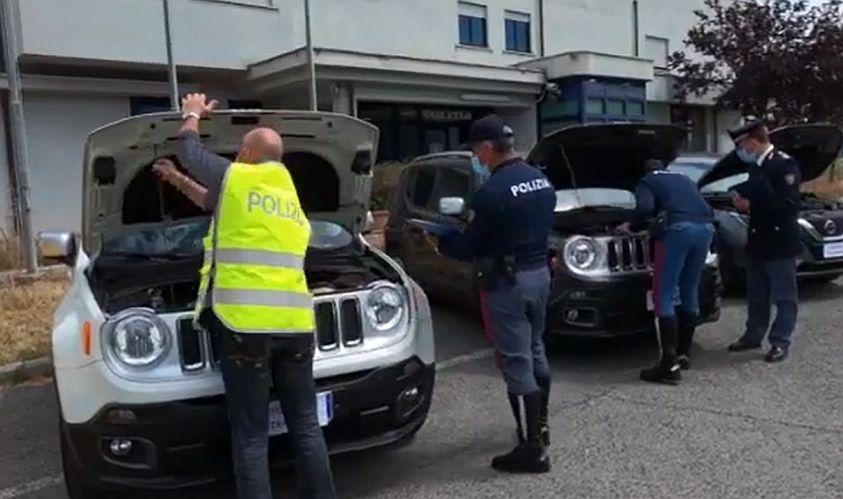Frosinone, scoperto traffico nazionale di auto rubate: commerciante le riciclava online