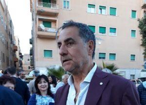 """INCENDIO APRILIA: SINDACO ANZIO """"COSTRETTI A RESPIRARE ARIA CONTAMINATA"""""""