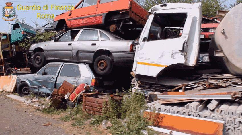 Palestrina, gestione illecita di rifiuti: accatastava rottami di auto  senza le dovute autorizzazioni