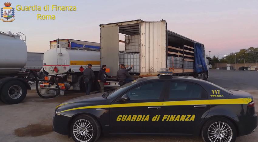 Roma, smascherato traffico illecito: un milione di litri di carburante rubato da un oleodotto belga