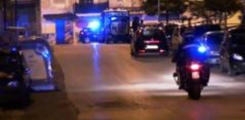 Ischia, arrestato 25enne: minaccia con un coltello i familiari, da tempo vittime delle sue angherie