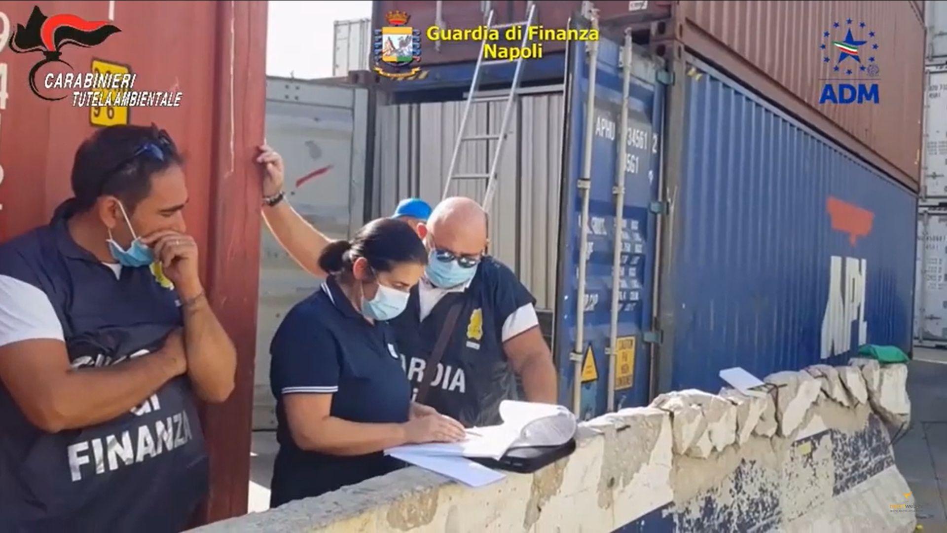 Porto di Napoli, Sequestrati 10mila pannelli fotovoltaici dismessi destinati in Africa