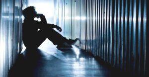 DROGHE E ADOLESCENZA, PROSPETTIVE, ORIZZONTI E MOTIVAZIONI NELL'USO CORRETTO DELLA NOSTRA MENTE
