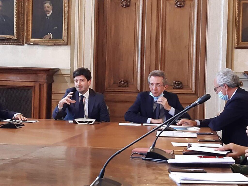 """SPERANZA: """"LA SCUOLA È AL CENTRO DELL'ATTENZIONE DEL GOVERNO"""""""
