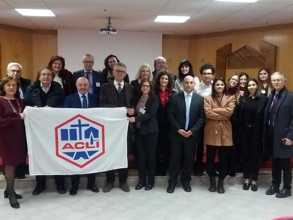"""LE ACLI PROVINCIALI DI LATINA DAL 12 GENNAIO PARTIRANNO CON IL PROGETTO """"NON SONO AFFARI DI FAMIGLIA""""."""