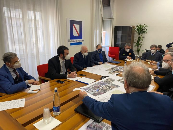 COVID-19, GRAZIE A RICERCA FINANZIATA DALLA REGIONE CAMPANIA, ISOLATA NUOVA VARIANTE DEL VIRUS MAI DESCRITTA IN ITALIA